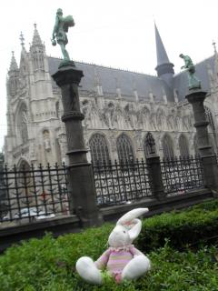 Chase at the Notre Dame du Sablon in Brussels